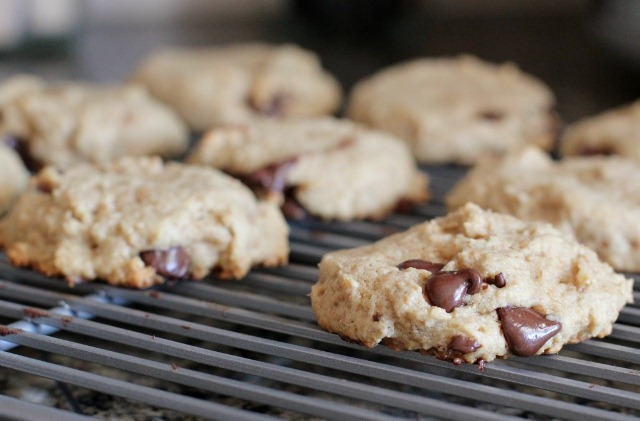 Daily Garnish » Blog Archive » Chewy Vegan Chocolate Chip Cookies.